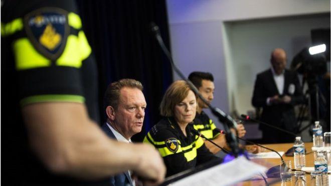 جريدة الرؤية العمانية - الإمارات: القبض على أخطر مطلوب هارب من هولندا