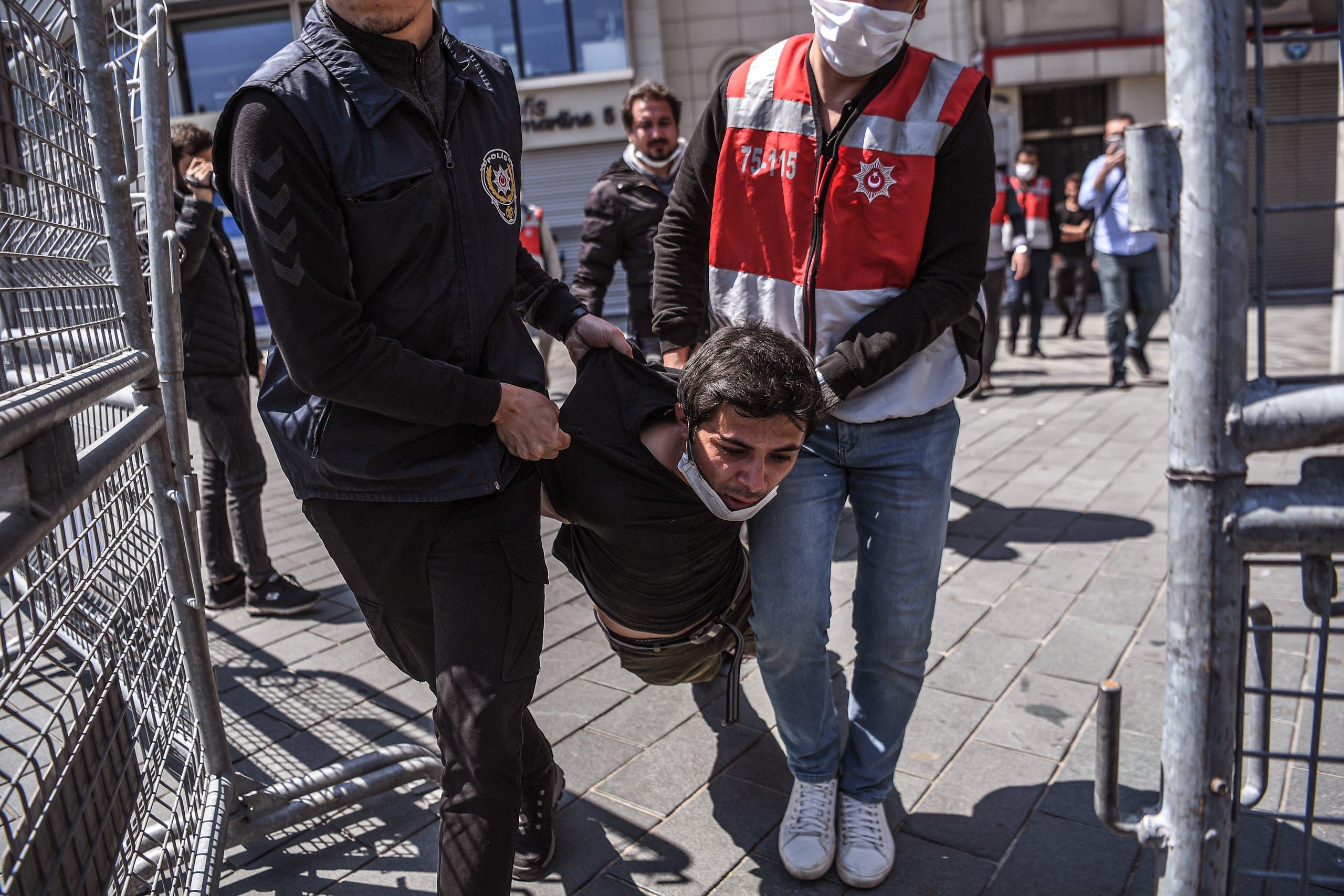 من اسطنبول(1 مايو 2020- فرانس برس)